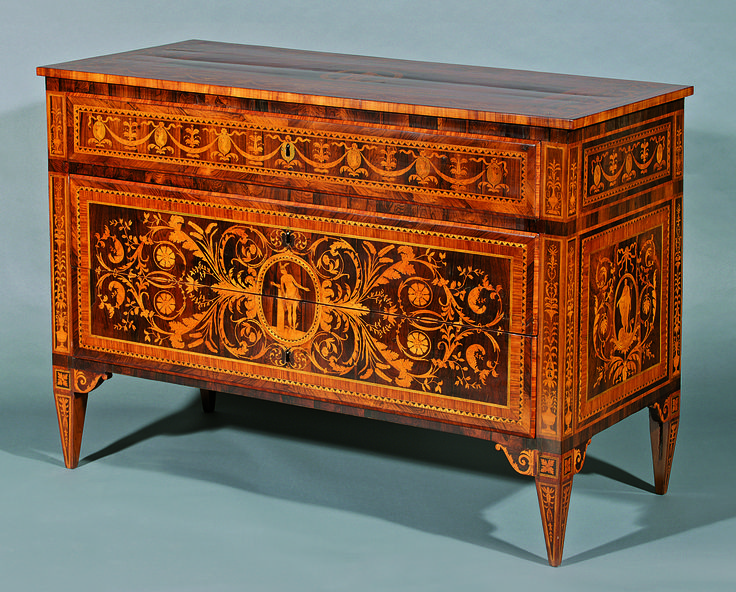 Louis XVI Commode Chest, workshop or school of Giuseppe Maggiolini, end of 18th century, Lombardy. 89,5 x 123,5 x 58,5 cm Start price: 17,000 Euro.