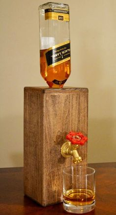 Dispensador de Whisky en madera Paulownia