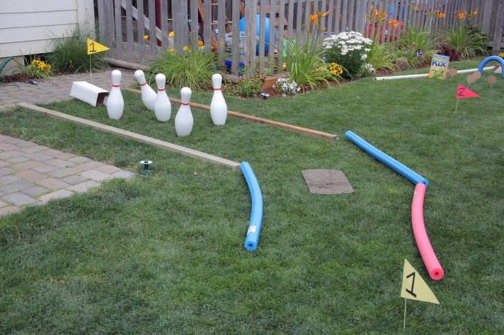 Diy Mini Golf Course In The Backyard It Has A Sand Trap