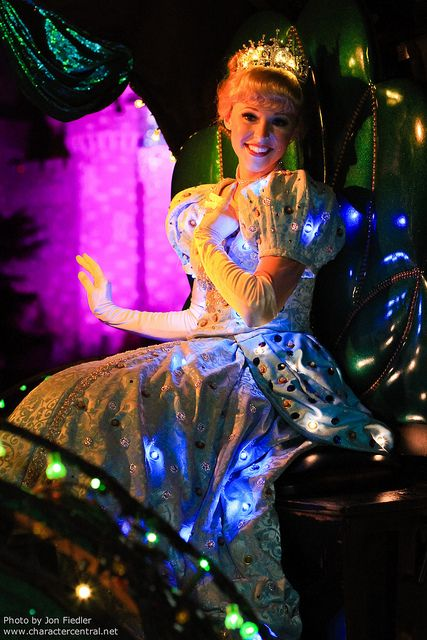WDW Dec 2010 - Main Street Electrical Parade | Flickr - Photo Sharing!