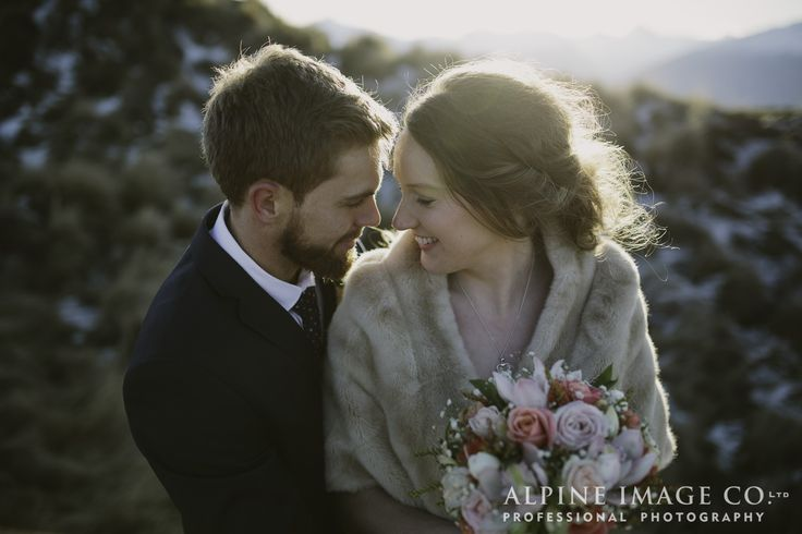 Winter mountain top weddings in New Zealand by Alpine Image Company http://blog.alpineimages.co.nz/blog/