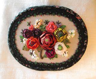 http://fialkasvitankova.blogspot.com/ Картина ручной работы/ цветы из шелка,бисер