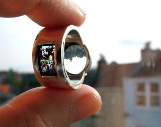 engagement ring - projector ring