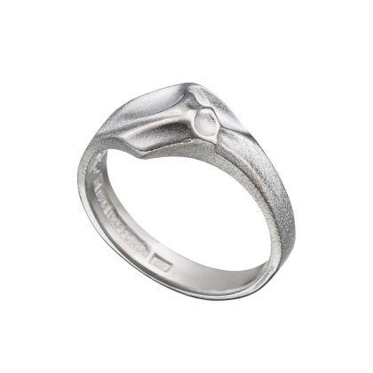 Handmade in Helsinki / Lapponia Jewelry / Sung Ring / Design: Björn Weckström