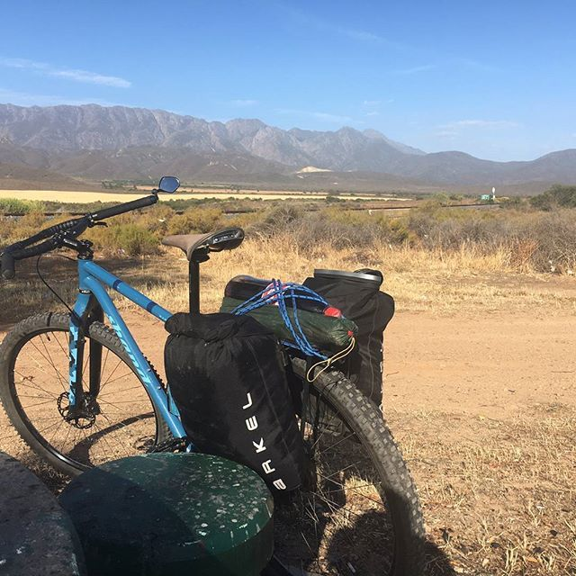 Another great pic of the Dry-Lites ultralight waterproof saddle bags. The bike is a @shandcycles  single speed 29er. Location South Africa!  #ultralight #ultralightbikepacking #biketouring #arkel #bikepacking #gravelbike #rideyourbike #cyclinglife #waterproof #travelsouthafrica  #worldbybike #dry-lites #bicycleadventures #bicycletouring #bikelife #biketour #cycletouring #cycling #cyclingphotos #cyclingshots #dirttouring #humanpoweredadventures #worldontwowheels  #Regram via @arkelpanniers