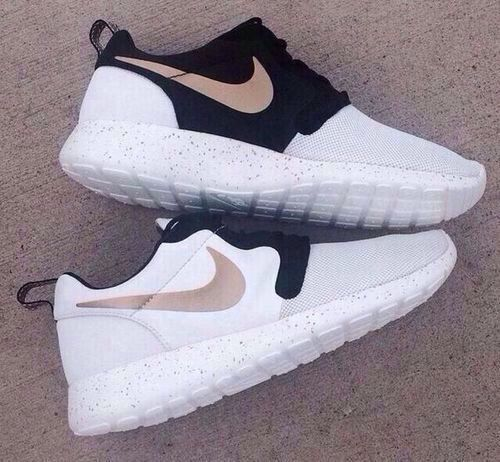 Nike roshes 2015 white black grey beige | sneakers shoes runners fitspiration muscle strength fitness health food superfood training style menswear womenswear fashion bayse luxe activewear