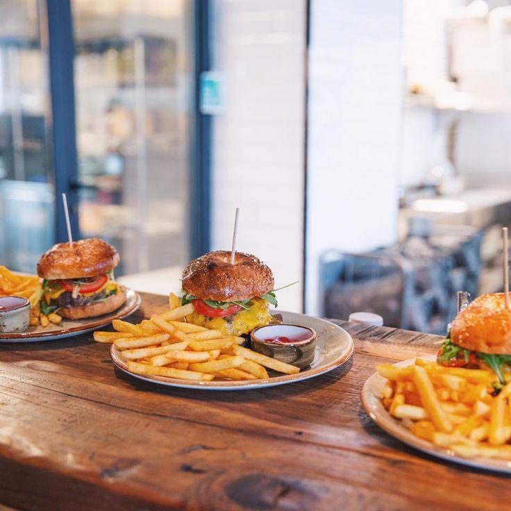 Sunday is a burger's day at M'EAT #meat #meatbybeat #meatrestaurant #steakhouse #steaks #azerbaijan #baku #restaurants #food #cuisine #beef #veal #burgers #burgersday #sunday