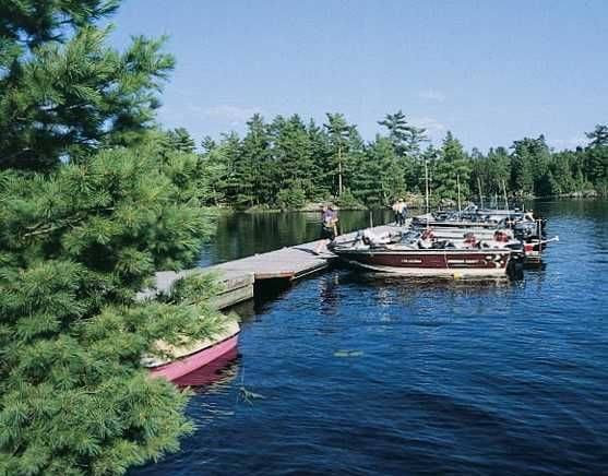 Kettle Falls Hotel offers villas and hotel rooms, boat and motor rentals for fishing vacations on Namakan and Rainy Lakes around Voyageurs National Park in northern Minnesota