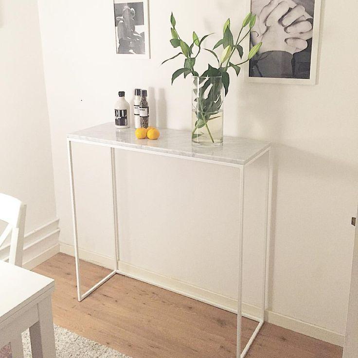"""Carlo Andersson på Instagram: """"Leverans av bord till @iamemlan i veckan och såhär fint blev det hemma hos henne  #VikensHantverkeri #soffbord #inredning #design #stil #marmor #interiör #bord #interior #sidobord #vackert #style #möbler #interiordesign #vadärdinstil"""""""
