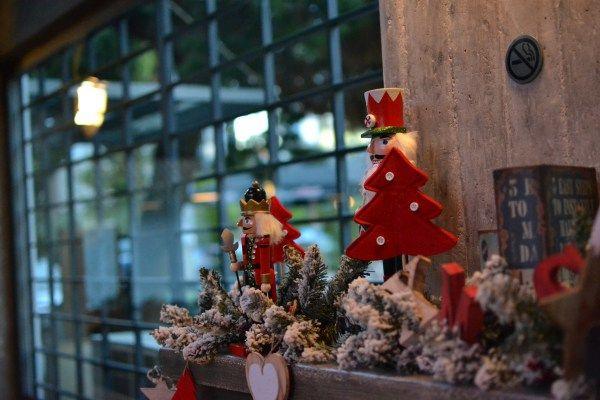 athens bar christmas decorations