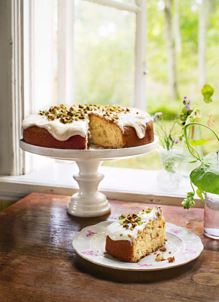 Kardemumma och citronglasyr gör den här ljuvliga kakan ännu godare