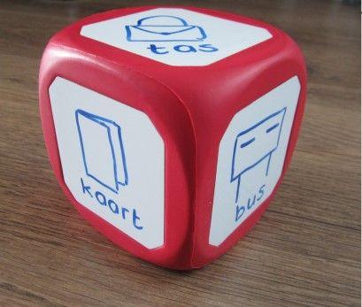 Magnetische én beschrijfbare dobbelsteen: hoe kun je deze inzetten bij de taalactiviteiten?