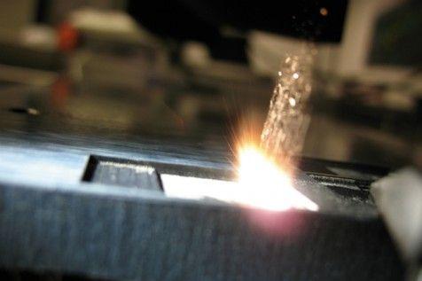Working fiber reinforced plastics with a laser scanner