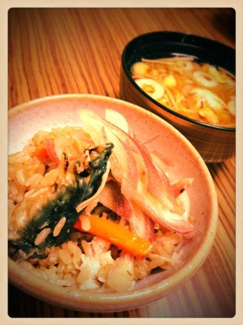 おかわり続出♪(´ε` )うまーーーし❤ - 44件のもぐもぐ - 鰻の炊き込みごはん 茗荷のせ❤竹輪とえのきの卵とじ味噌汁❤ by mieko matsuzaki