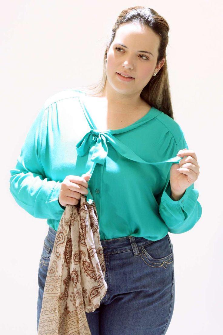Camisa Manga Longa Plus Size verde jade Laçaroteno decote Pala nas costas Uma camisa simplesmente chick o tecido tem um toque muito suave #camisaplussize #plussize #modaplussize #modaplussizebrasil #mulherplussize #mulheresplussize #tamanhogrande #vickttoriavick #modaplussizebr #plussizebrasil #plussizefashion #modagg #moda #fashion #feitonobrasil #plussizes #plussizebr #gordinhasdobrasil #modafemininaplussize #somosplussize #lojaplussize #lojafeminina #mulheresreais