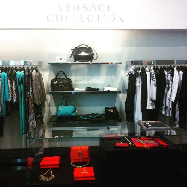 Клиентские дни в бутиках Versace Collection! Только в эти выходные скидка 20% на НОВУЮ коллекцию! #распродажа #спб #стиль #скидки #санктпетербург #мода #модныйобраз #купименя #бутик #версаче #версачеколлекшн #versace #versacecollection #spb #sale #style #fashion #fashionlook #sale
