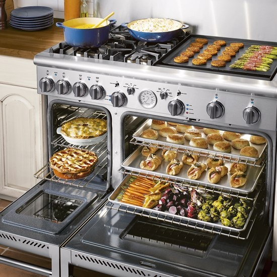 If We Can T Do The Double Ovens With Separate Stove Top This Would Be Really Nice Kitchens Pantries And Dining Oh My