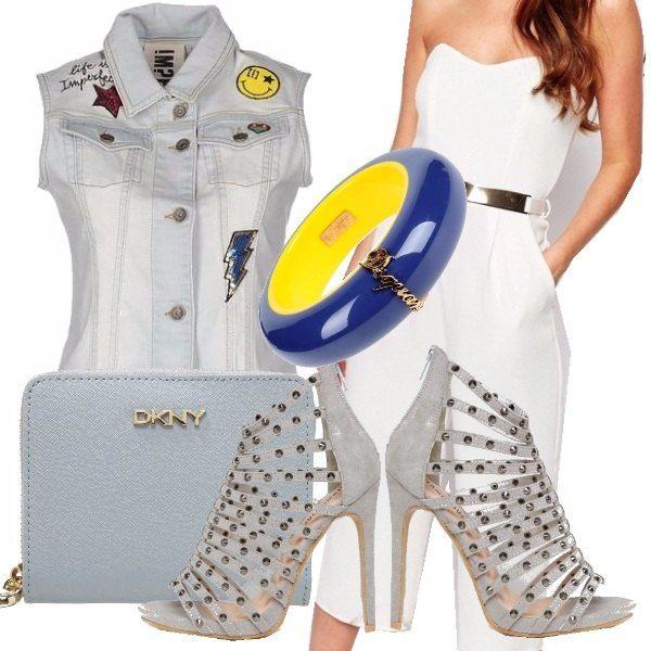 """Per una serata dallo stile rock propongo questo look rock ma femminile al tempo stesso. Tuta semilunga bianca dal tocco elegante ma resa meno """"importante"""" dal giacchino di jeans con inserti. Scarpe con tacco borchiate e bracciale multicolor completano l'outfit."""