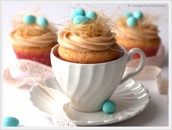 An Easter tea.: Nests Cupcakes, Spring Cupcakes, Teas Cups, Birds Nests, Caramel Birds, Easter Cupcakes, Cupcakes Rosa-Choqu, Teas Parties, Baby Shower
