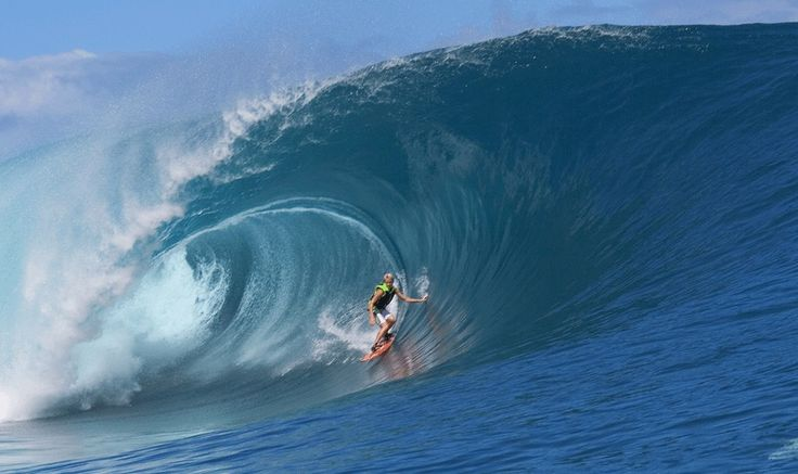 Keala-Kennelly-Tows-into-Teahupoo