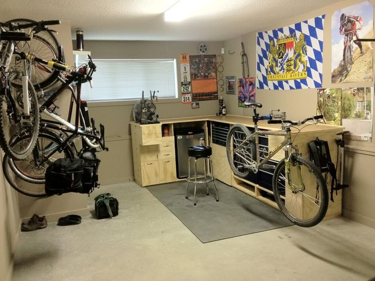 bench mount bike repair stand could attach to folding table against back wall bikes. Black Bedroom Furniture Sets. Home Design Ideas
