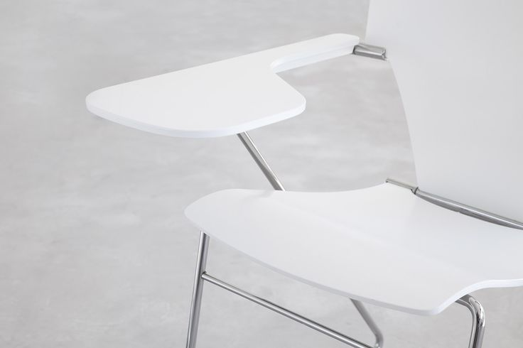 Do you know that STUA Egoa chair can have a turning Tablett? EGOA: www.stua.com/eng/coleccion/egoa.html