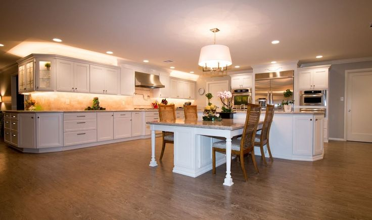 Slate Appliances In Vanilla Cream Kitchens