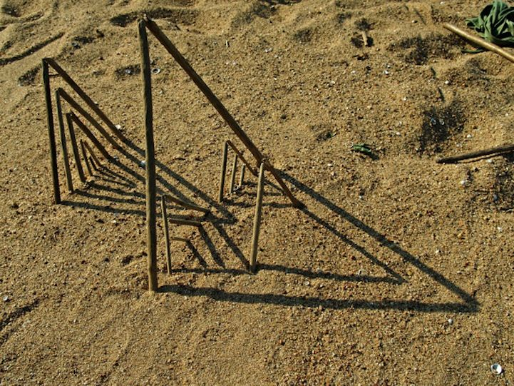 Fesson Ludovic. Spectacular Geometric Forms Find Balance in Nature - My Modern Met