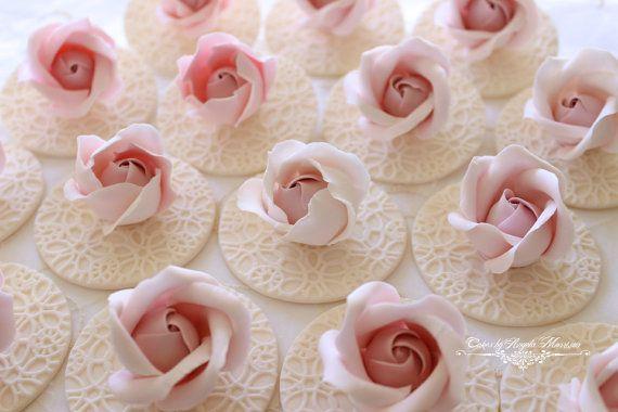 Conjunto de rosados acolchados brotes de la magdalena