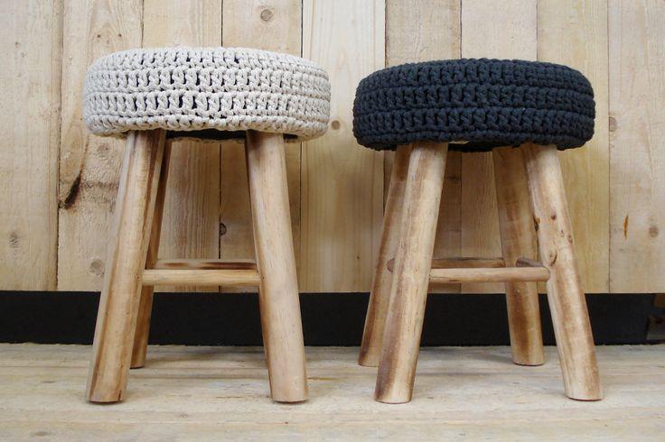 Krukjes, om op te zitten, maar ook zeker om gewoon neer te zetten! Mooi om een winterse sfeer te creëren in huis!