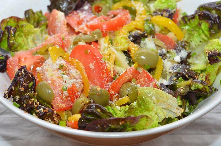 Салат с лимонной заправкой | Ничего сложного в этом салате нет, я его показываю, наверное, только ради заправки, а состав овощей вы можете варьировать на ваш вкус.