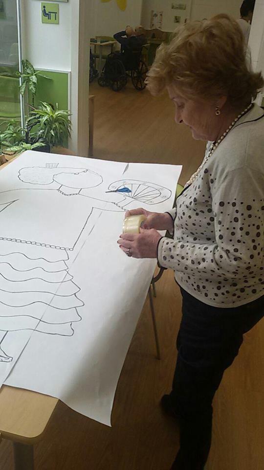 Se trabajan el concepto Bobath, llevan programas de reeducación en las actividades de la vida diaria y diseñan y dirigen actividades de laborterapia, musicoterapia, psicomotricidad, talleres de memoria, fisioterapia para la tercera edad, todas ellas con el objetivo de fomentar la máxima independencia del anciano.