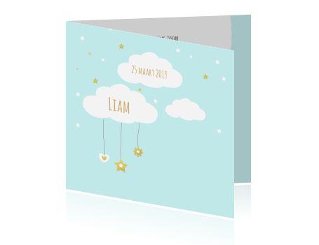 Geboorte kaartje licht blauw jongen wolkjes