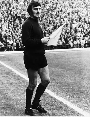 Arsenal v Liverpool, September 1972, TV pundit Jimmy Hill was asked to assist due to an injury to match official. Long before the advent of the 4th official:..