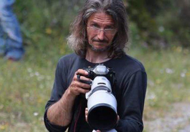 Un fotógrafo muere durante un rally en Córcega - http://www.notiexpresscolor.com/2016/11/12/un-fotografo-muere-durante-un-rally-en-corcega/