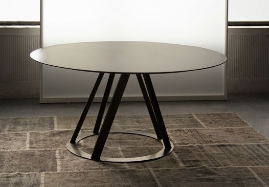 159 best tables et chaises images on pinterest chairs for Table ronde 4 chaises