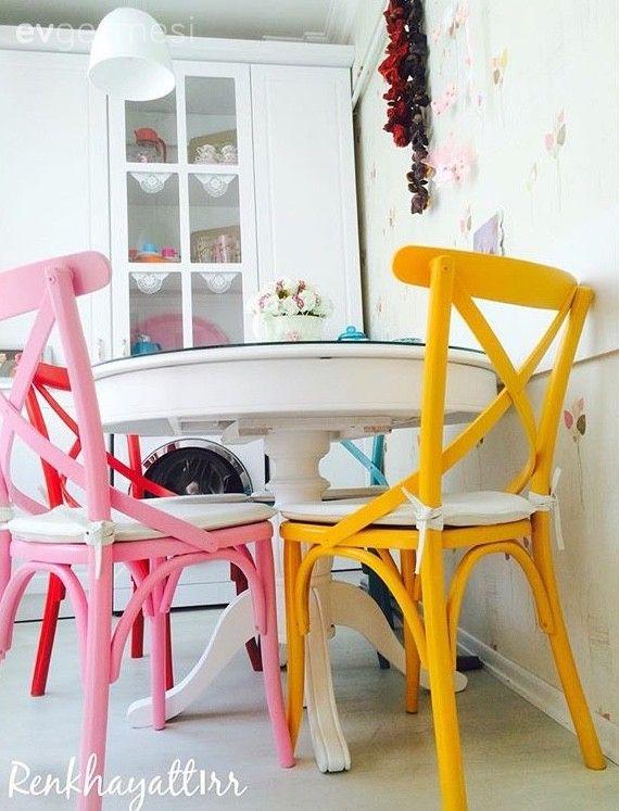 Beyaz mutfak, Country mutfak, Duvar kağıdı, Mutfak, Mutfak masası, Pembe, Sandalye, Sarı