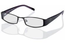 Bei diesem Vollrandmodell mit Federscharnier besteht die Fassung aus Metall und die Bügel sowie die Nasenpads aus Kunststoff.  Eigenschaften: Modische Brille mit leicht ovalen Gläsern und bei der schwarzen Variante mit lila schimmernder Bügelinnenseite.  Stil: Von vorn leicht abgerundet, aber mit betont geraden, breiten Bügeln hält diese Brille gekonnt die Waage zwischen weich und kantig.