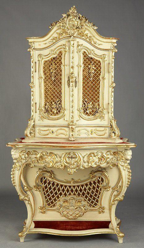 Луи XVI стиль окрашенный и шкафа парцеллы позолотой на подставке, две  решетчатые двери, открывающиеся