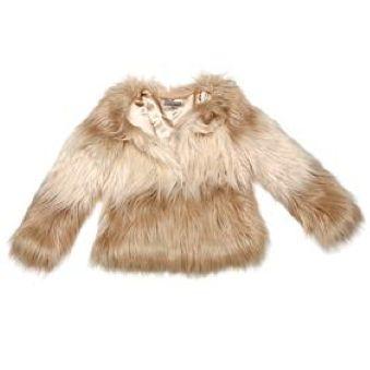 Manteau en fausse fourrure #style #look #manteau #beige #fauxfur