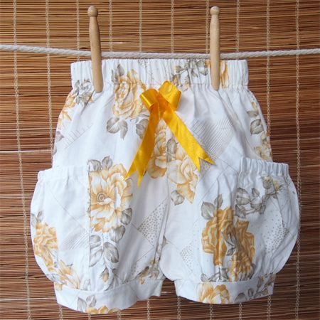 "Bubble shorts for girls - Size Small (5-7) - ""Tea Party"""