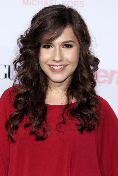 Erin Sanders Long Curls - Erin Sanders Looks - StyleBistro