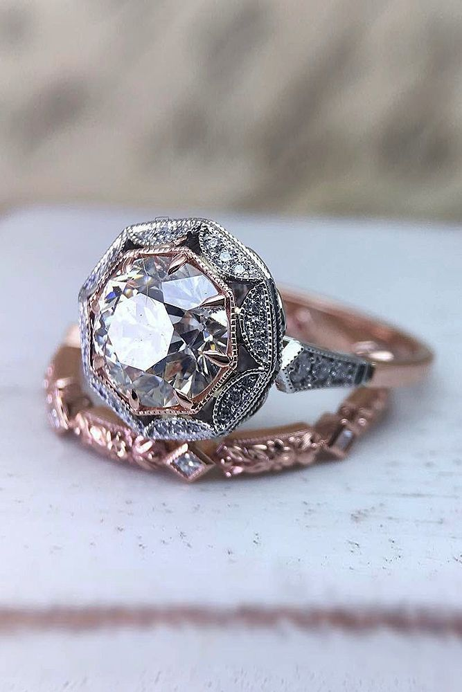 21 Rose Gold Wedding Rings For The Romantic Bride-to-Be ❤️ rose gold wedding rings set vintage halo round cut ❤️ More on the blog: https://ohsoperfectproposal.com/rose-gold-wedding-rings/
