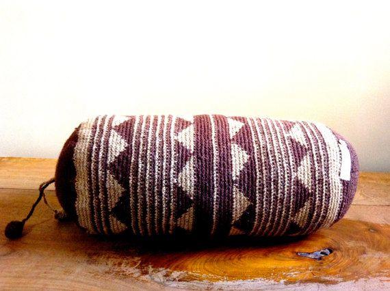 handmade, natural dyed wool cushion from eldoku, turkey