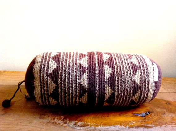 handmade, natural dyed wool cushion from eldoku, turkey