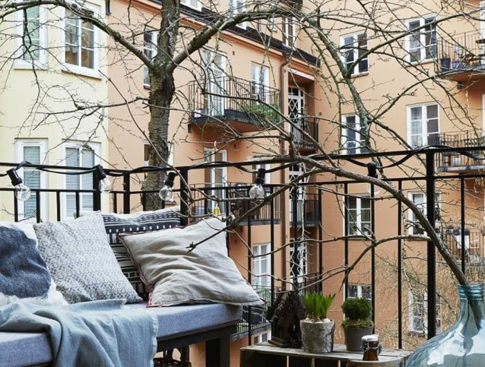 les 25 meilleures id es de la cat gorie balustrade balcon. Black Bedroom Furniture Sets. Home Design Ideas