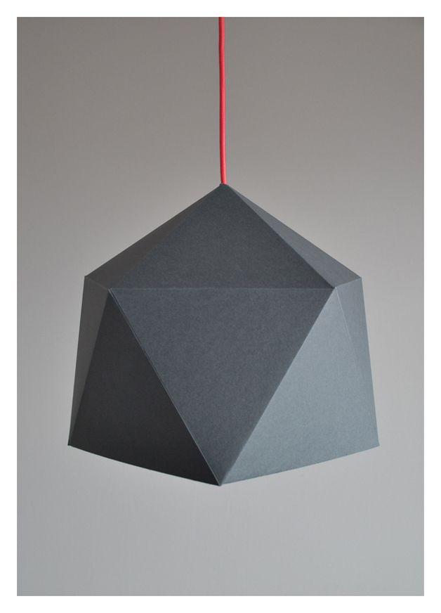 Foremne ostre geometryczne kształty wprowadzają ład w aranżowanej przestrzeni jednak nie musi on być zimno skalkulowany.   Ciepłe choć nie rażące kontrastem kolory lampy typu downlight dodadzą...