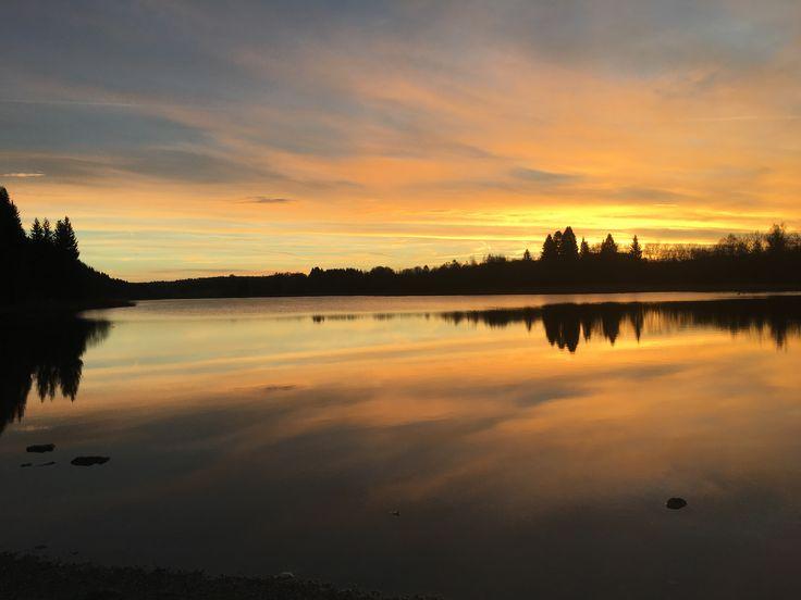 Toujours aussi beau... Le lac d'Etival fin d'après-midi. 27/11/2016 (Jura)