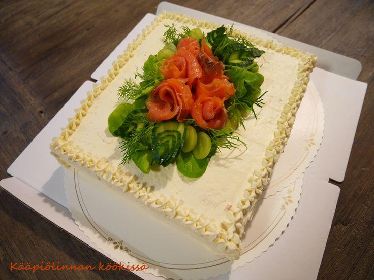 Kääpiölinnan köökissä: Kakkuja kesän rippijuhliin ♥