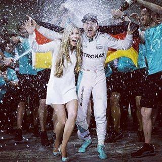 @mercedesamgf1 #mercedesamg #NR6 #NicoRosberg #NR6 Celebration of championship #F1 #Formula1 #pilotsf1 #fansf1 #teamF1 #f1esta #formulaone2016 #abudhabigp #formulaone2016 #yasmarinacircuit